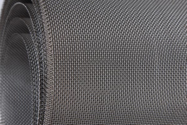 Application and characteristics of Stainless Steel Woven Wire Mesh